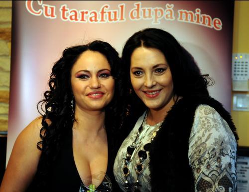 Marinela Parvu si Angela Rusu_LANSAREA Albumului CU TARAFUL DUPA MINE