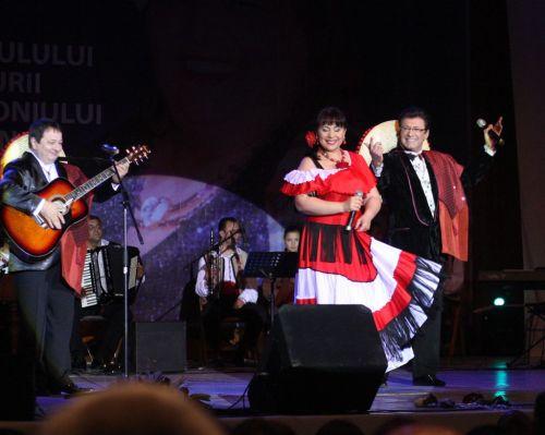 Grupul ALESIS SI GABRIEL DOROBANTU recital in spectacolul FRUMOSU' DE LA MAREA NEAGRA