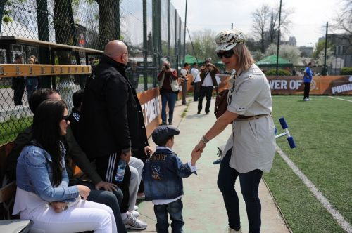 IULIANA MARCIUC si DAVID sustinatorii fotbalistului ADRIAN ENACAHE