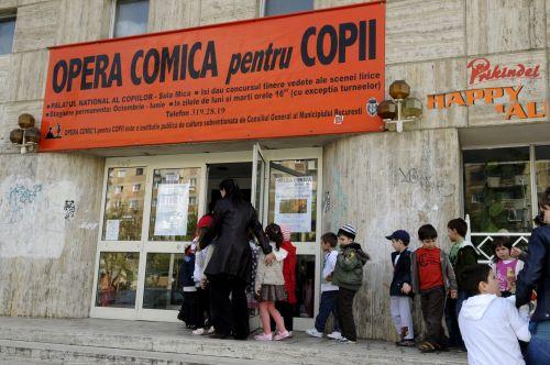 Micutii spectatori la Opera Comica pentru Copii