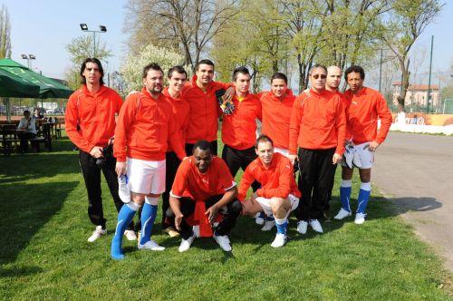 Nationala de Fotbal a Artistilor la OASIS Club