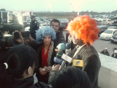 Carmen Plesea si Victor Yila dau interviuri