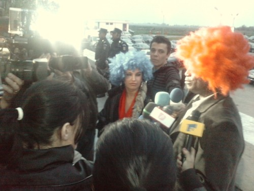 Carmen Plesea, Victor Yila si presa