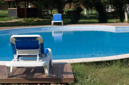 PISCINA Oasis Club & Leisure 2