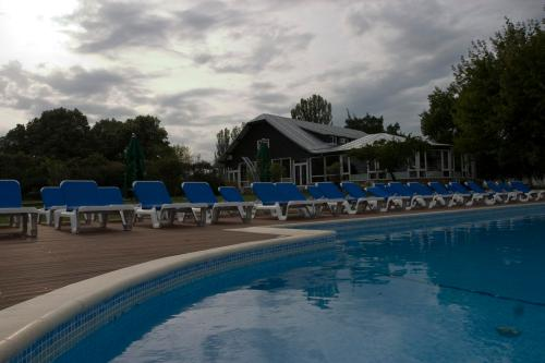 PISCINA Oasis Club & Leisure