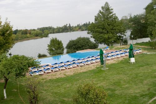 PISCINA Oasis Club & Leisure..