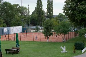 TEREN de TENIS Oasis Club & Leisure