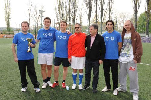 VALERIU ARGESEALA alaturi de Echipa IV Locul II la Cupa OASIS VIP&MEDIA 2010