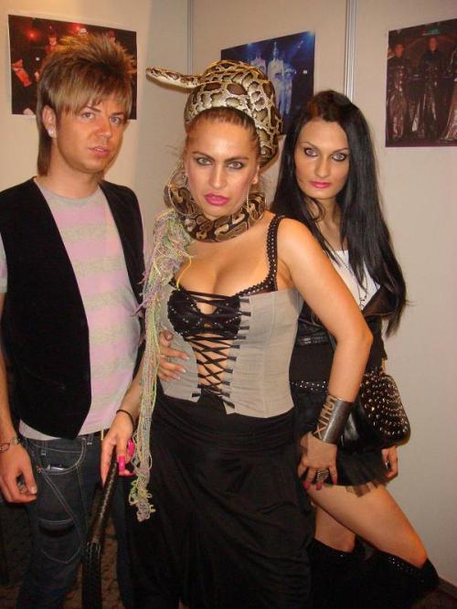 Florin Hentz, Carmen Plesea si Roxana