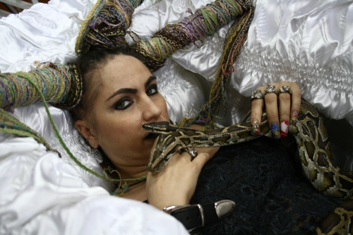 "Carmen Plesea, KAA si HEZ tot in ""pat"""