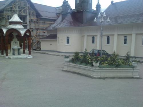 Interior Manastirea Slatioara