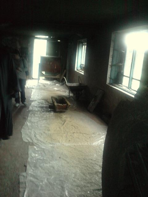 In atelierul de lumanari din ceara
